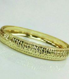 צמיד זהב איקסים כוכבים וקישוטי נצנץ בצדדים (2101)