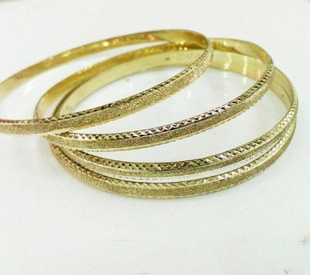 צמיד זהב 14K דק איקסים בחריטת יהלום ושילוב נצנץ בצדדים בעבודת יד (2095)