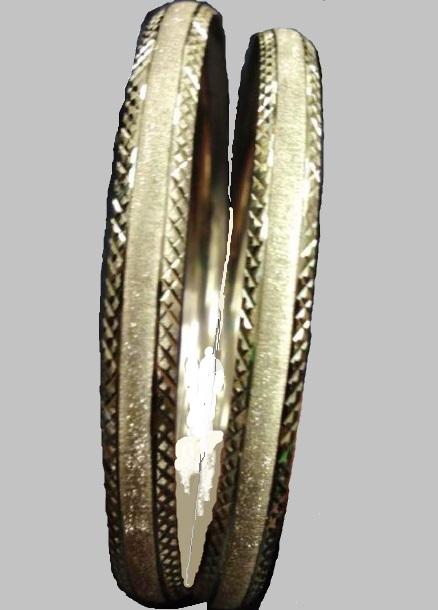 צמיד זהב 14K מחוספס מט באמצע וקנטים איקסים בצדדים (2089)